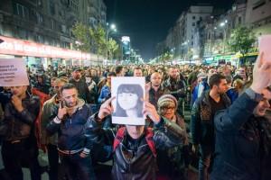 cum-a-fost-protestul-de-25-000-de-oameni-care-i-au-dat-jos-pe-victor-ponta-si-pe-piedone-853-body-image-1446641483-size_1000